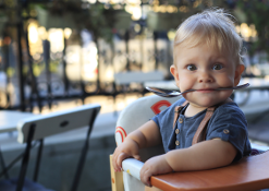 Bambini a tavola: il pediatra consiglia